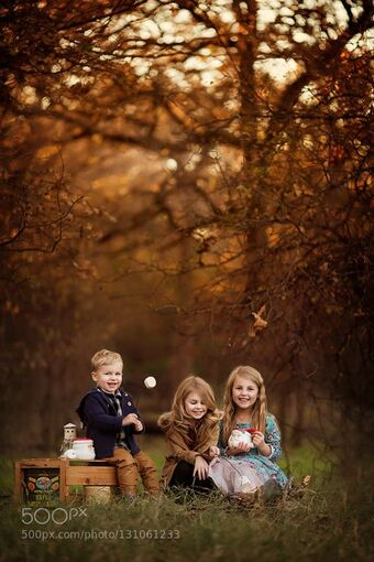 Lovely family photos of the day Kids camp out by tachilmlphotography. Share your moments with #nancyavon here <a href=