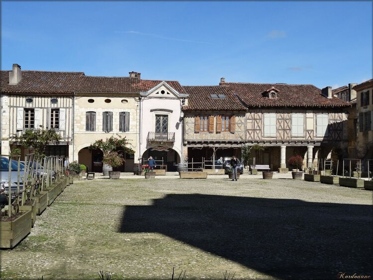 Photo de la Place Royale de La Bastide d'Armagnac