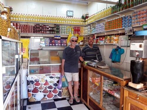 Chez notre petit vendeur d'olives