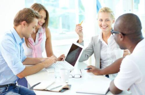 Where do you come from? Ani giao tiếp của nhân viên tại nơi làm việc?