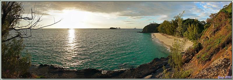 Première soirée à Nosy Tsarabanjina avec vue de la fin du jour sur la plage sud - Archipel des Mitsio - Madagascar