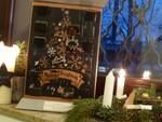 Adventskalender mit 12 offenen Türen