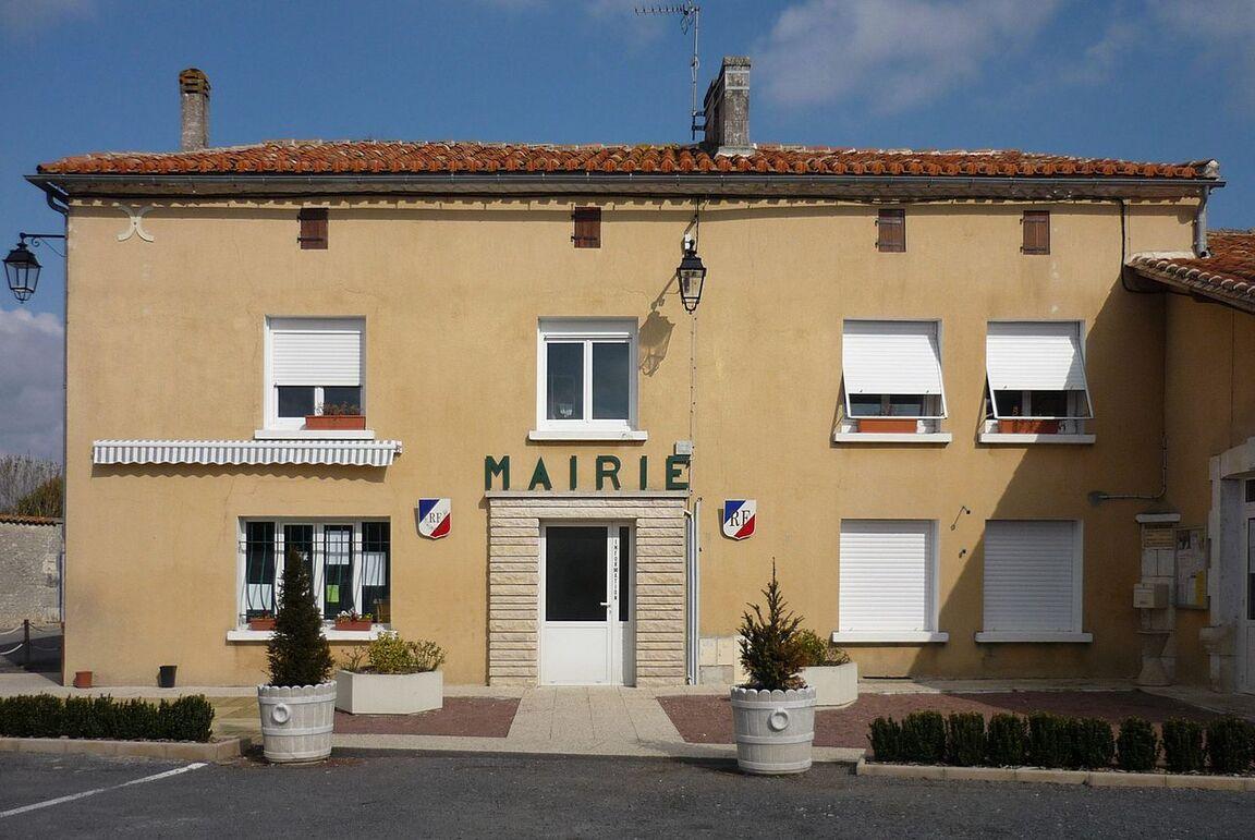 Deviat Mairie 2012.JPG