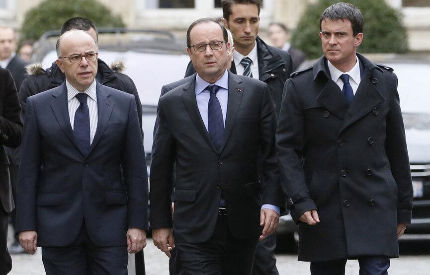"""""""Moi je peux comprendre que dans ces moments là il y ait un policier ou deux policiers, des hommes, des femmes qui sont touchés, qui pouvaient connaître les victimes, qui aient une attitude qui n'est en rien irrespectueuse, elle était respectueuse"""", a répondu Manuel Valls à la presse.Cet homme est un menteur patenté ,certifié par Colombo."""