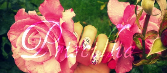 Nail art motif indien ! rose