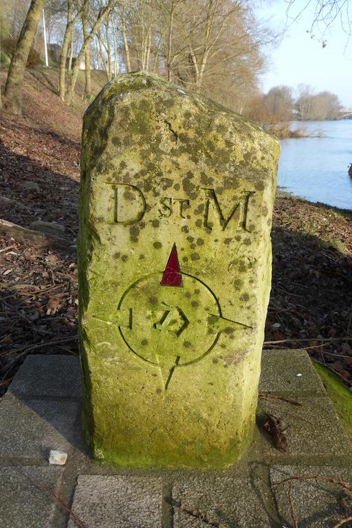 Bornes en bord de Loire, inconnues sur google?