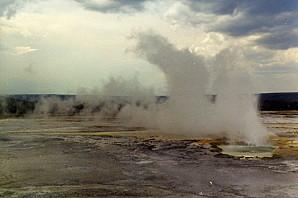 YellowstoneGeyser0005