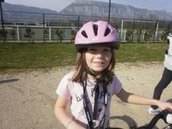 Tu te dis écolo? Alors fais du vélo et roule jusqu'au Clos! Eléna et Violette