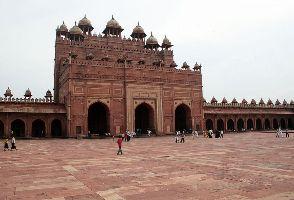 La porte de la Grande Mosquée de Fatehpur Sikri