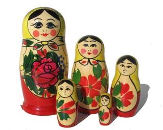 LA POUPEE RUSSE
