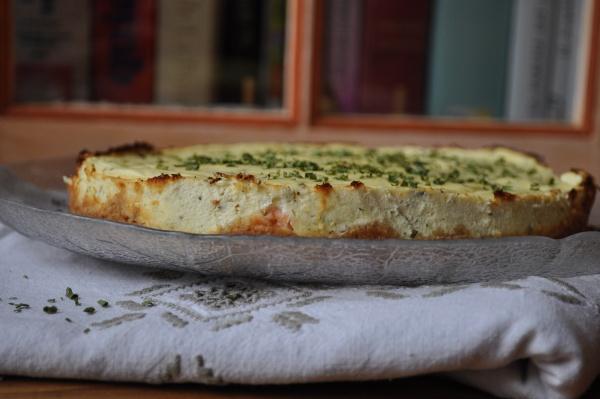 Cheese-cake aux herbes aromatiques et au saumon