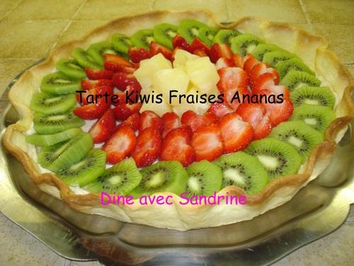 Une Tarte Kiwis, Fraises et Ananas