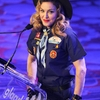 2013 03 16 - Madonna @ GLAAD Media Awards (14)