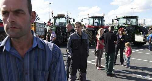 Les agriculteurs envahissent la capitale pour manifester leur colère