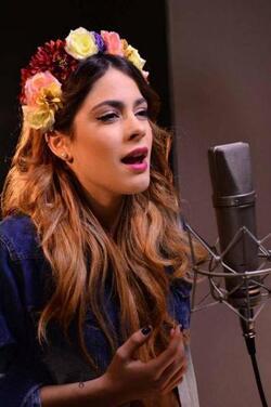 "Martina : "" j'adore enregistrer des chansons """