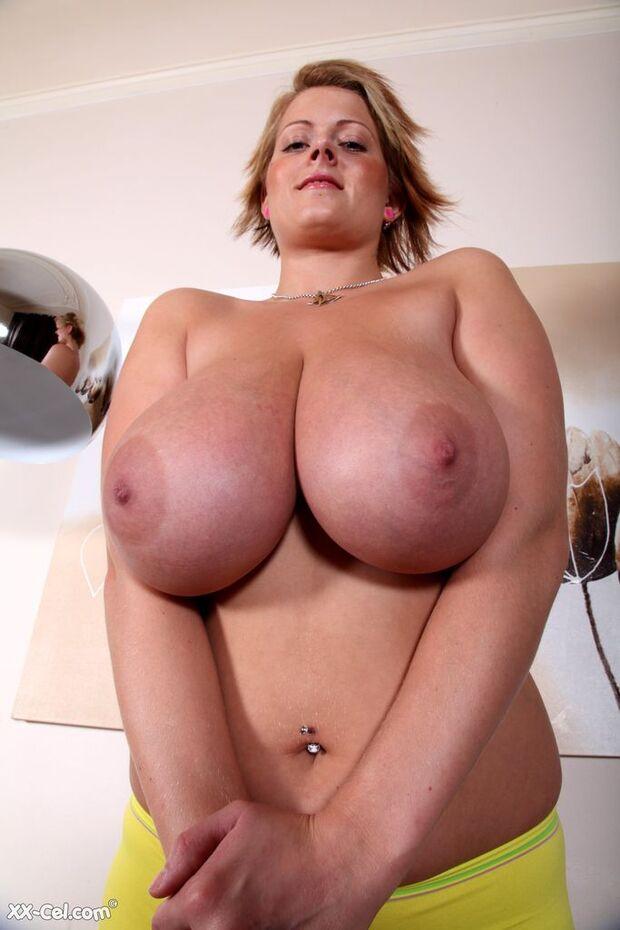 BigBoobs - Lola - 2 -