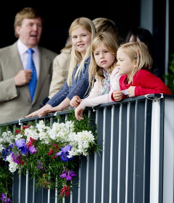 Amalia, Alexia, Ariane et leurs parents
