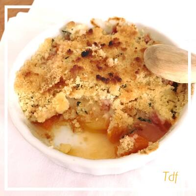 Crumble d'abricot/ nectarine & menthe