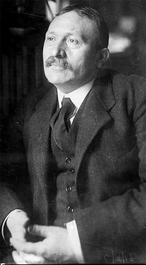 René Viviani (Sidi-bel-Abbès, 8 décembre 1863 - Le Plessis-Robinson, 7 septembre 1925)