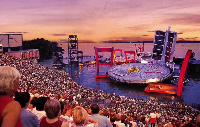 """Résultat de recherche d'images pour """"festival sur l'eau à bregenz"""""""