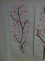 Les branches de sakura à l'encre de chine