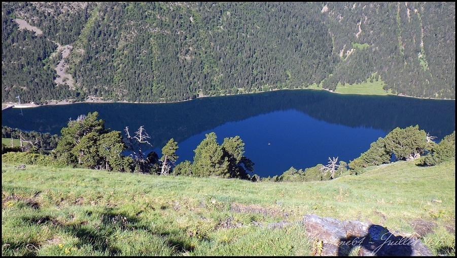 nous longeons et surplombons le lac de l'Oule. (1819m)