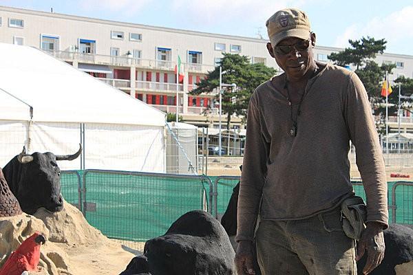 Pascal Thomas, Sculpteur sur sable
