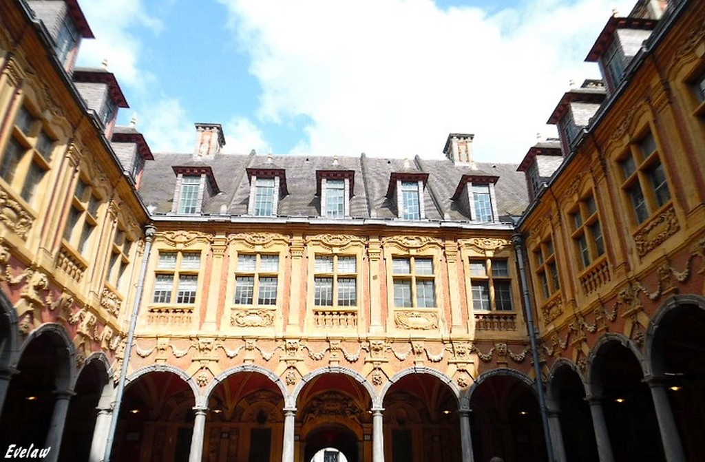 LILLE - La Vieille Bourse