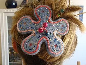 barrette fleur laine cardée