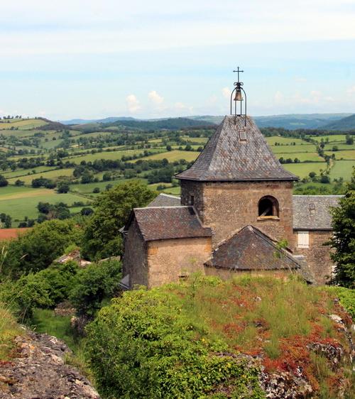 La Roque Valzergues (St Saturnin de Lenne )