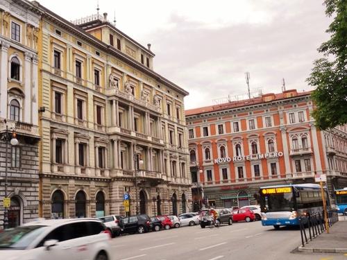 Trieste en Italie: autour de la gare et des quais (photos)