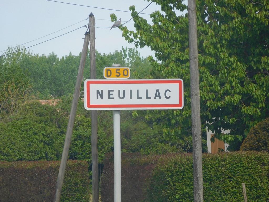 """Résultat de recherche d'images pour """"Neuillac"""""""