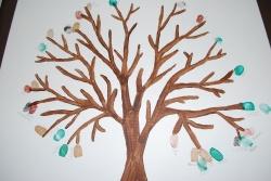 Oeuvre collective: L'arbre aux mains
