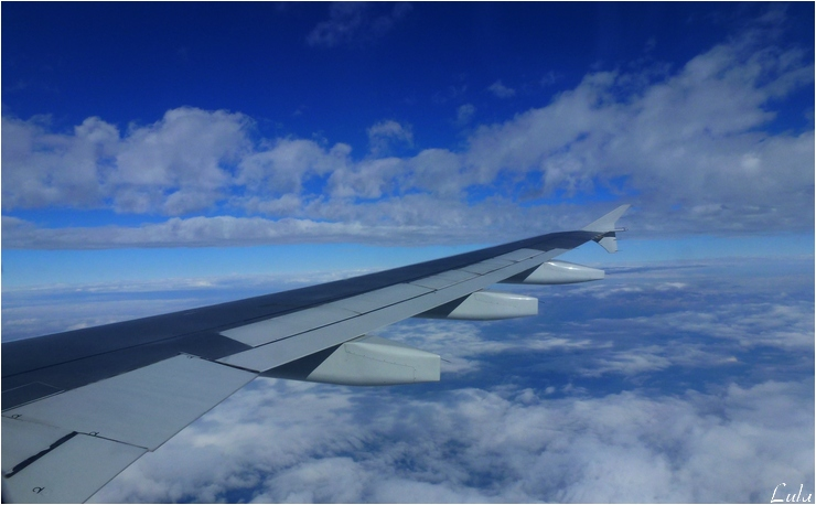 Au-dessus des nuages. . .