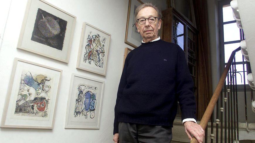 Le poète et écrivain d'origine suisse Philippe Jaccottet est décédé dans la nuit de mercredi à jeudi à l'âge de 95 ans.