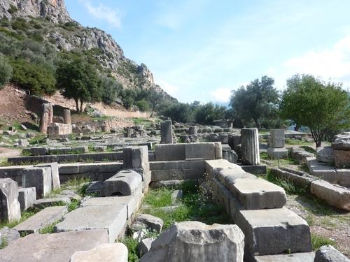 Delphes : le sanctuaire d'Athéna