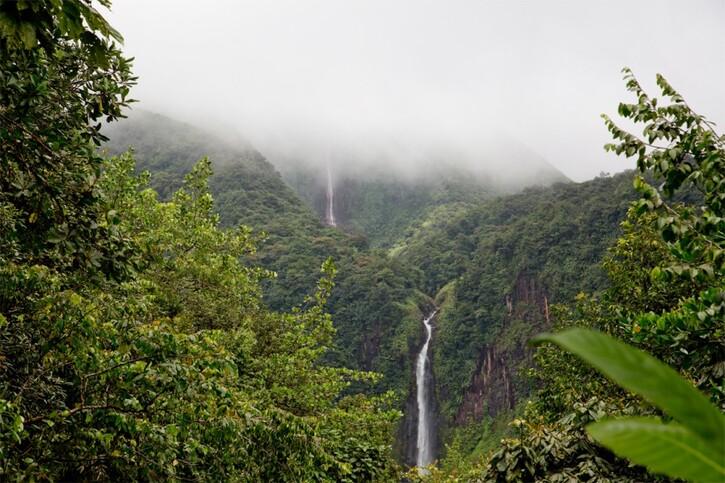 Voyager en Images 4:  Guadeloupe: l'archipel fantastique
