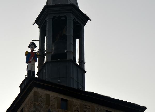 Sur la route de La Coudalère : Le Palais du Facteur Cheval à Hauterives
