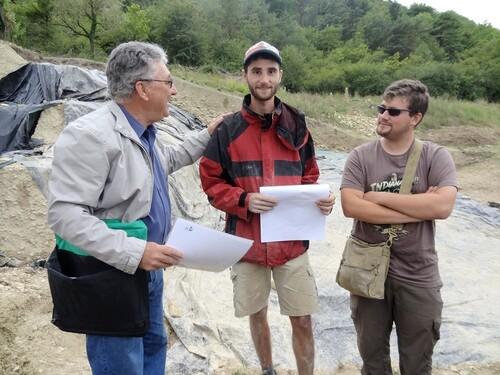 Fouilles 2013 au Mont Lassois de Vix et au pied  de la colline...