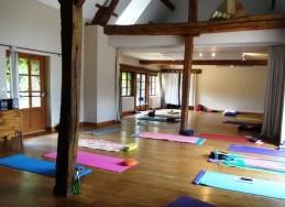 Salle-yoga-Picotiere.JPG