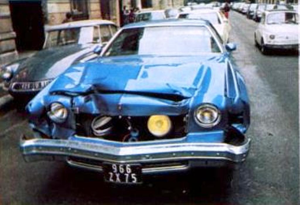 11 avril 1974 l 39 accident de voiture de ringo sheila t l r v e. Black Bedroom Furniture Sets. Home Design Ideas