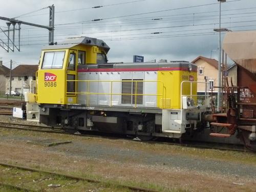 L'Y 9086 Infra  à Charmes