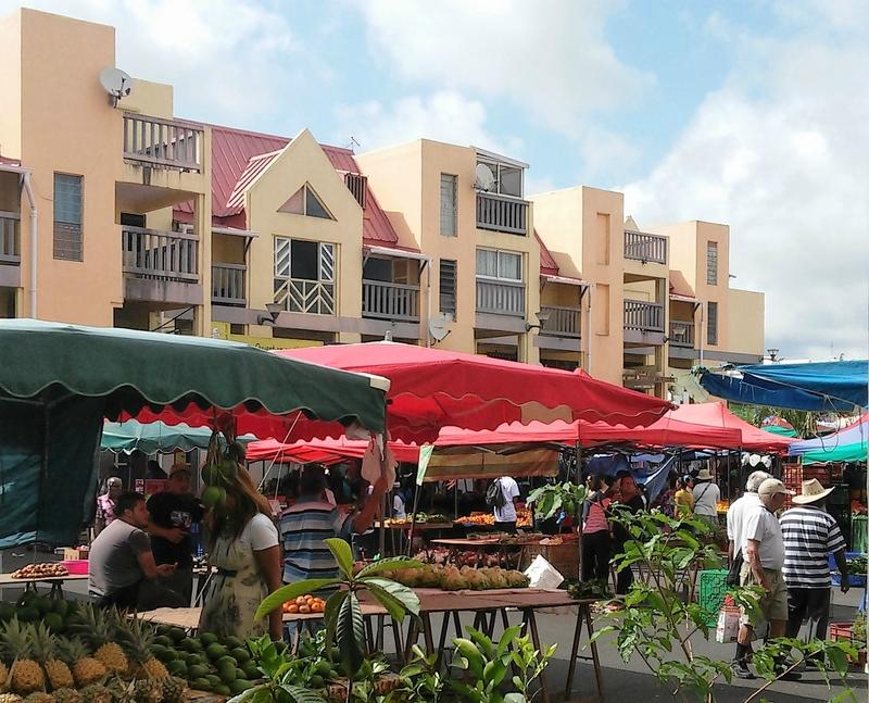 ST-ANDRÉ et son marché (3/4) à la Réunion