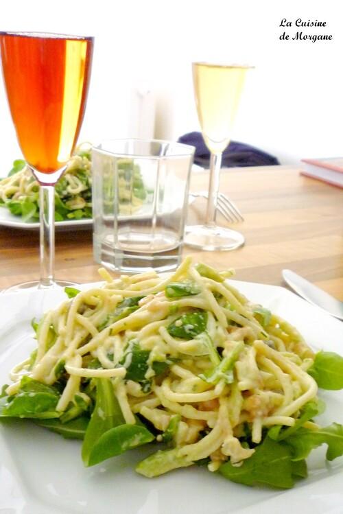 Salade de pates au saumon fumé, avocat et aneth