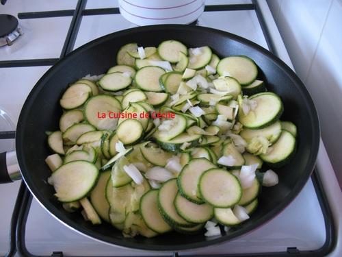 Tortillas Courgettes et thon, tomates façon provonçales