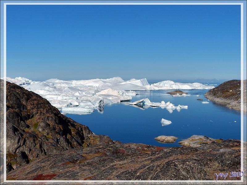 La petite baie entre l'Isfjord (Icefjord) et Ilulissat vue de haut - Groenland