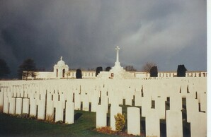 * Visite du cimetière Tyne Cot