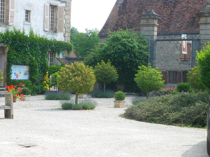 ARNAY-le-DUC (Côte d'Or) : début