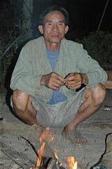 Beau Papa au coin du feu