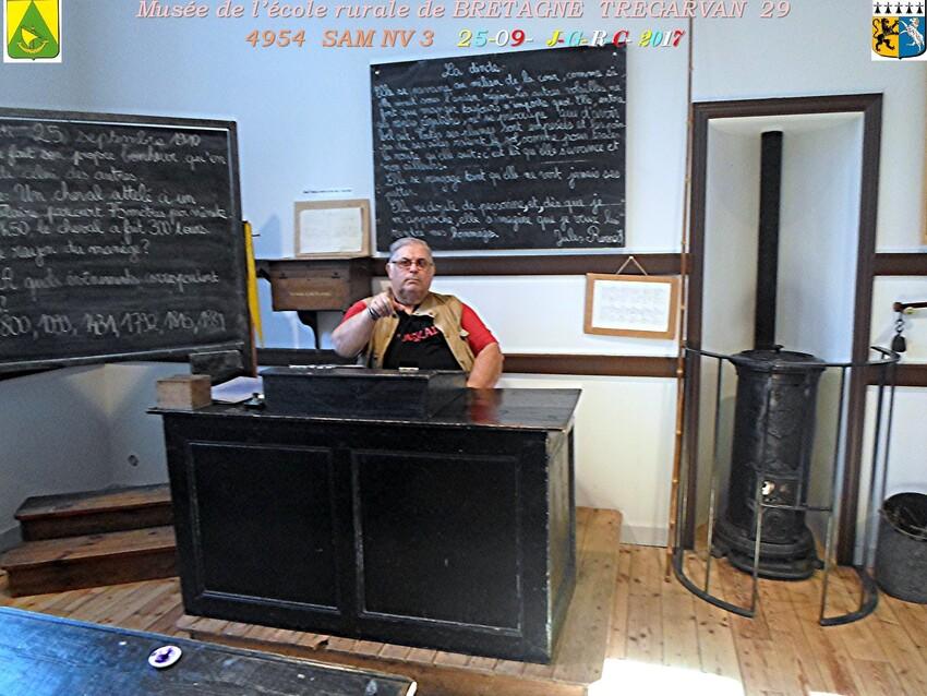 Musée de l'école rurale en BRETAGNE  1/4 - 1/20  TREGARVAN 29       D    17/04/2018